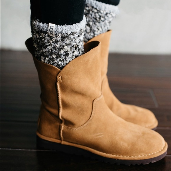 a858016292a Ugg Alida boots; size 7 NWT